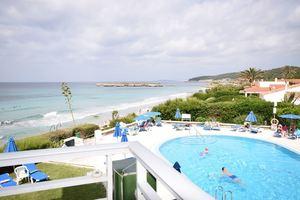 Front line studio apartment in Santa Tomas, Menorca