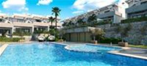 New 3 bedroom townhouses for golf near Alicante