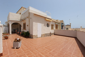 3 bedroom, 2 bathroom quad townhouse in Playa Flamenca