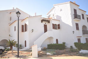 Charming 2 bedroom first floor apartment in Playa Fornells, Menorca