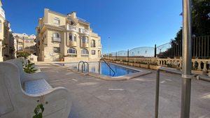 2 bedroom 1st line apartment in Torrevieja