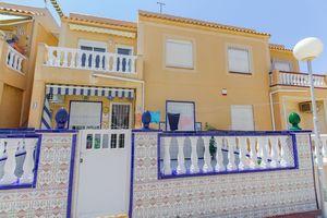 2 bedroom top floor bungalow in La Siesta