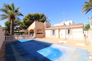 4 bedroom  villa in Punta Prima with private pool.  400 m from the beach