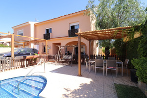 4 bedroom townhouse in Los Balcones with private pool