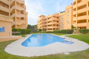 2 bedroom Apartment for sale in Calahonda