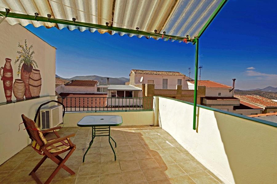 3 bedroom Townhouse for sale in Castillo de Locubin