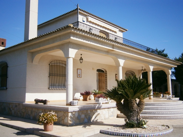 4 bedroom Villa for sale in Elche