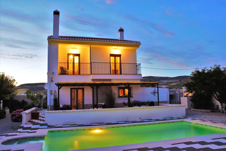 3 bedroom Villa for sale in Alhama de Granada