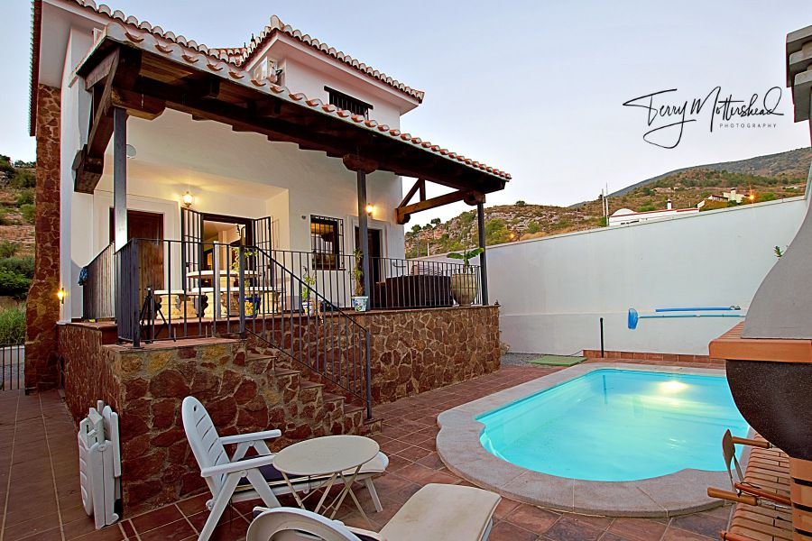 3 bedroom Villa for sale in Velez de Benaudalla