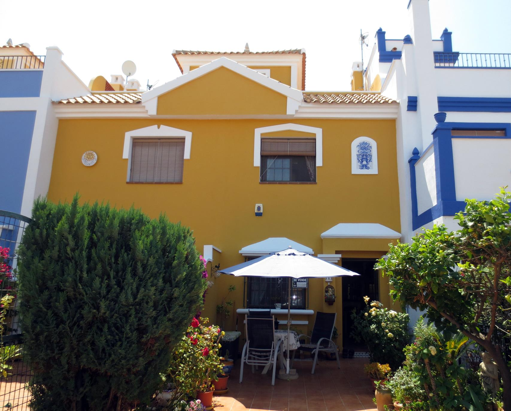 2 bedroom Townhouse for sale in Roda