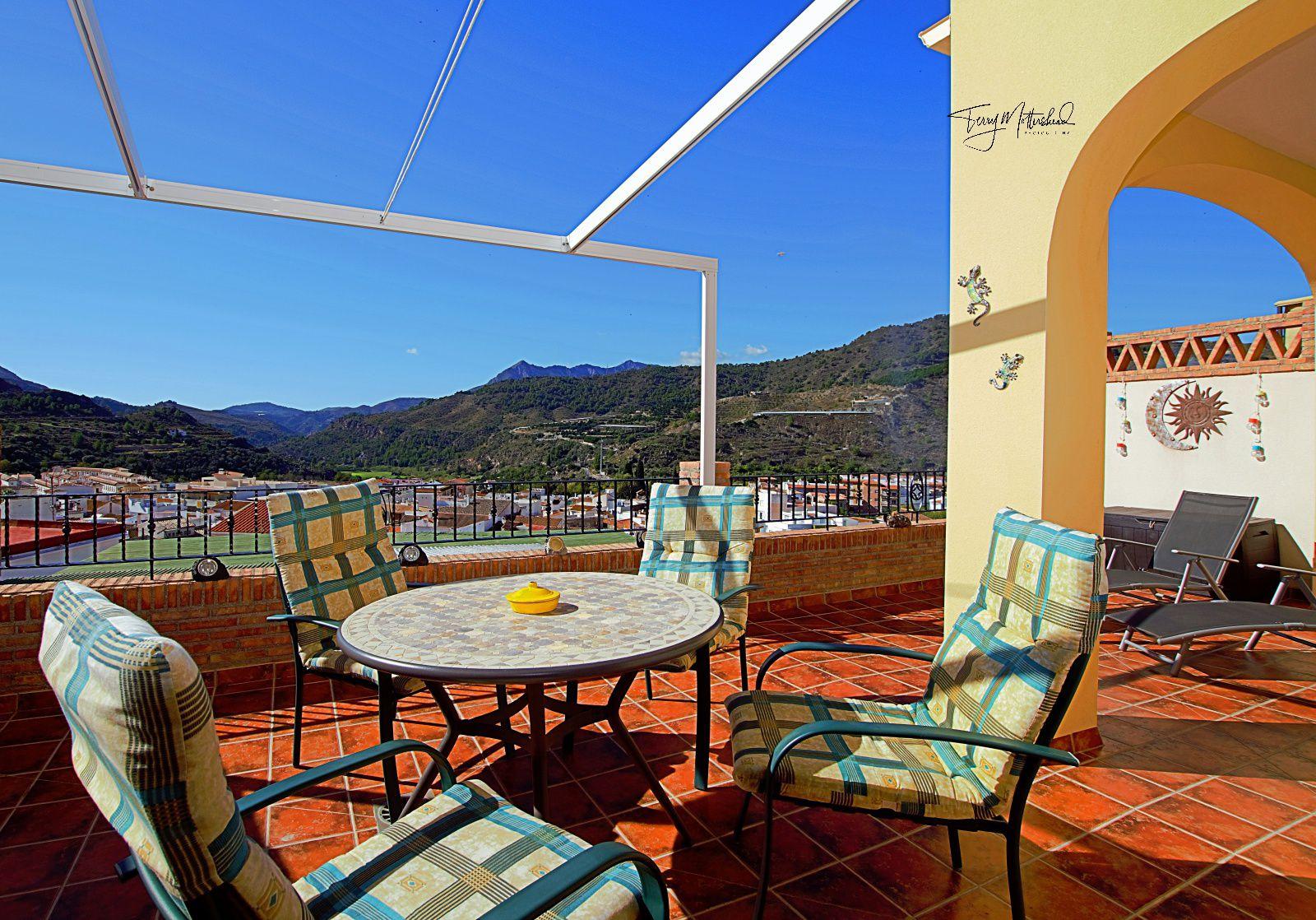 3 bedroom Townhouse for sale in Velez de Benaudalla