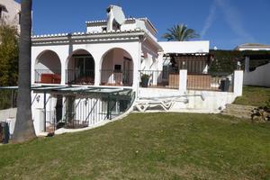 3 bedroom Villa for sale in Calahonda