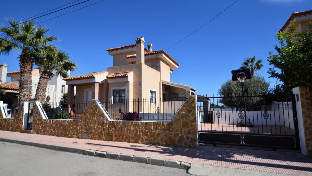 4 bedroom Villa for sale in San Miguel de Salinas