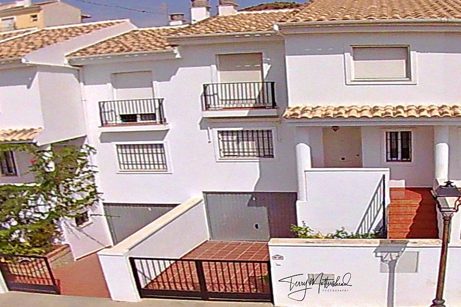 4 bedroom Townhouse for sale in Velez de Benaudalla