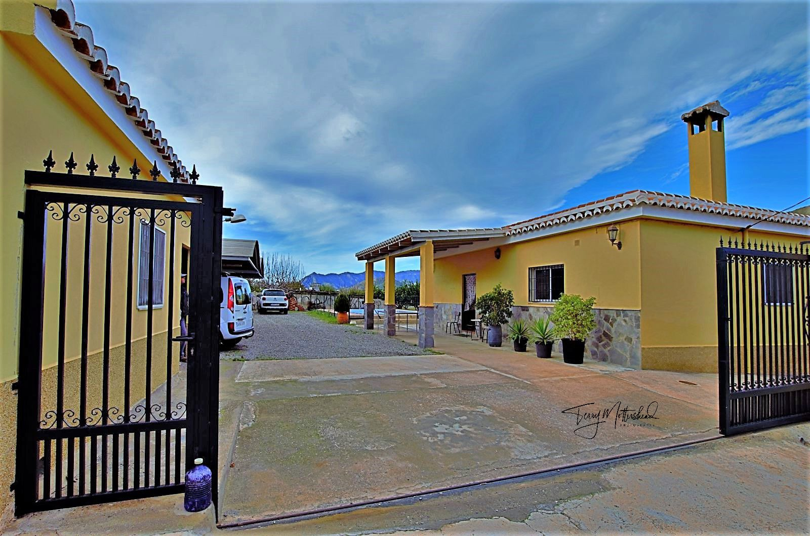 4 bedroom Finca for sale in Velez de Benaudalla