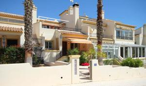 3 bedroom Duplex for sale in Villamartin