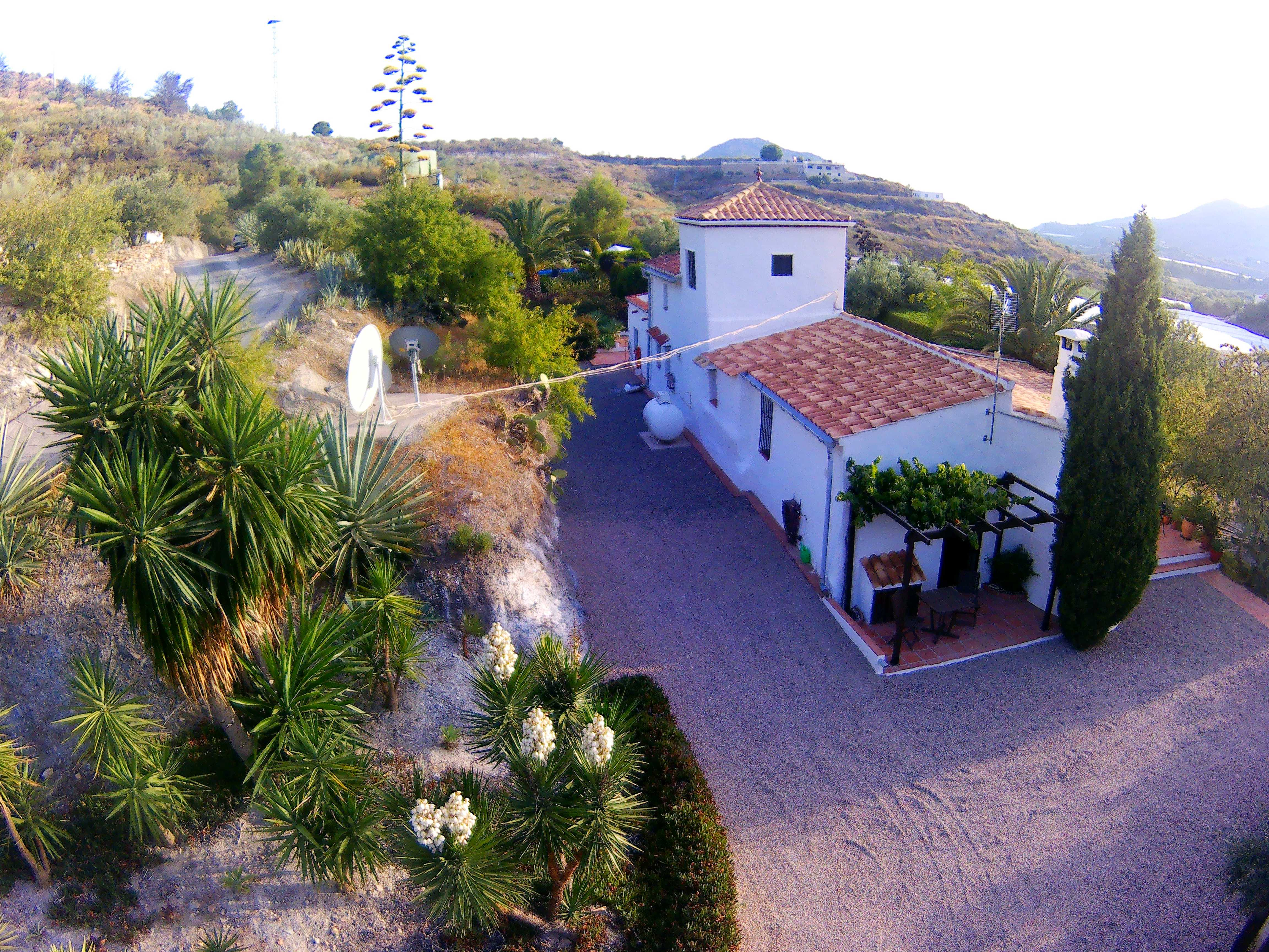 3 bedroom Finca for sale in Velez de Benaudalla