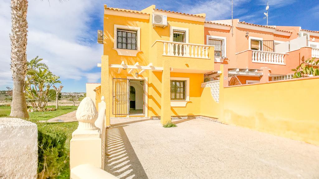 2 bedroom Townhouse for sale in Playa Flamenca