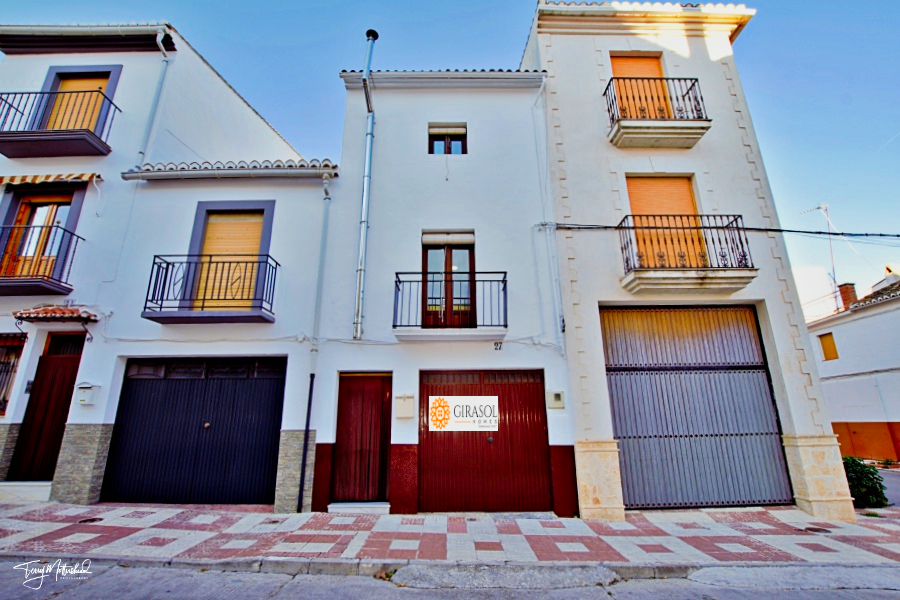 3 bedroom Townhouse for sale in Alhama de Granada