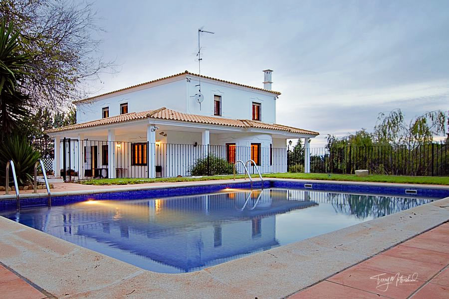 6 bedroom Villa for sale in Humilladero