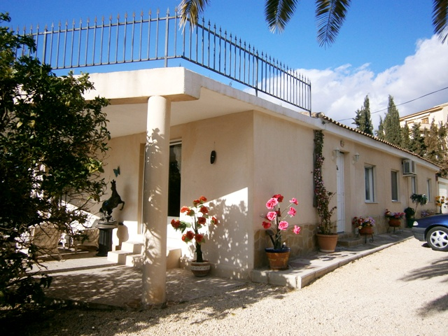 5 bedroom Villa for sale in Busot