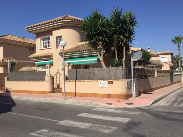 3 bedroom Villa for sale in Punta Prima