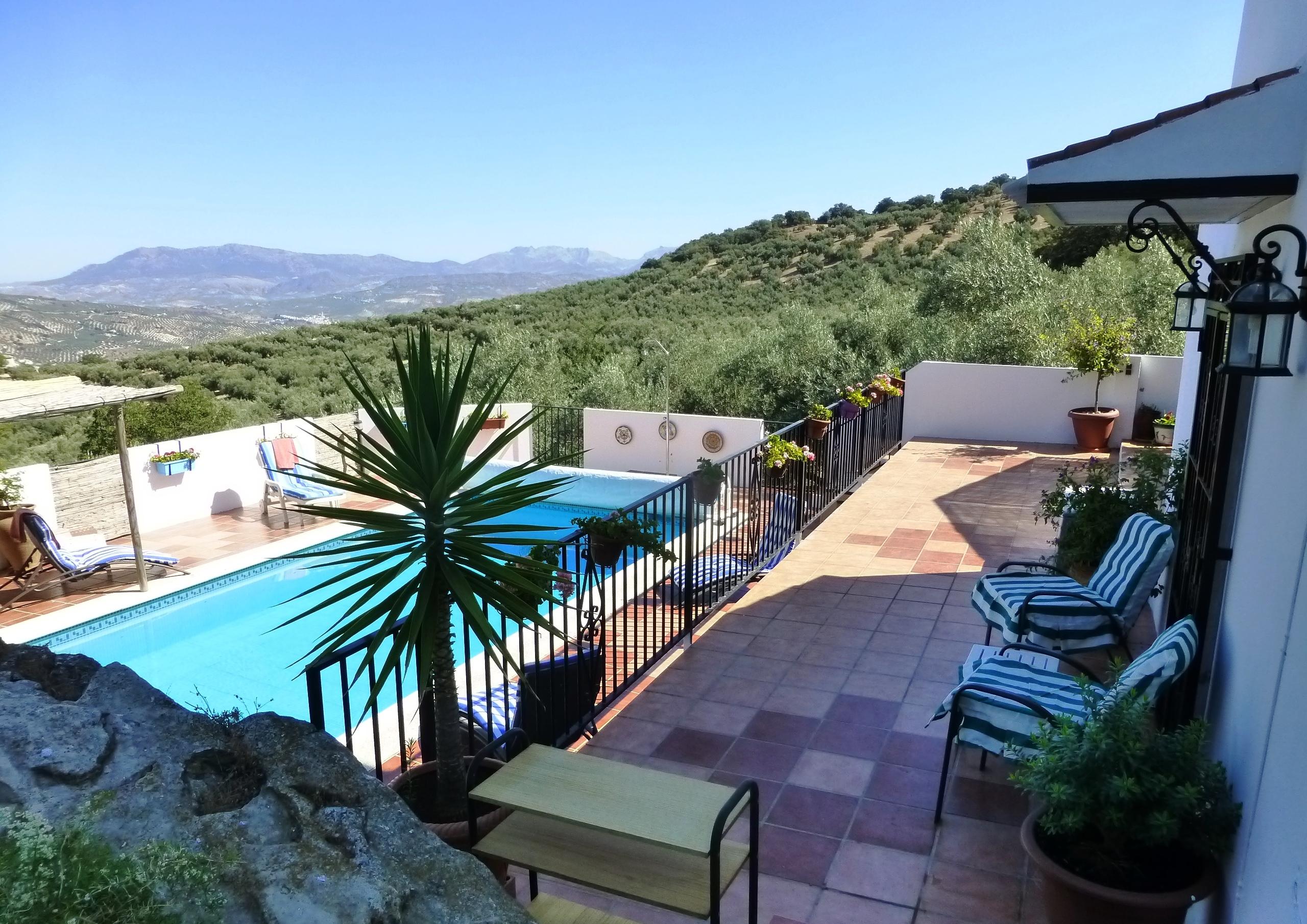 3 bedroom Villa for sale in Iznajar