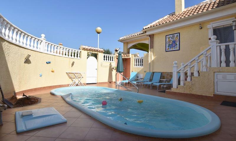 2 bedroom Villa for sale in Santa Pola