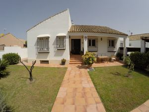 4 bedroom Villa for sale in Chiclana de la Frontera