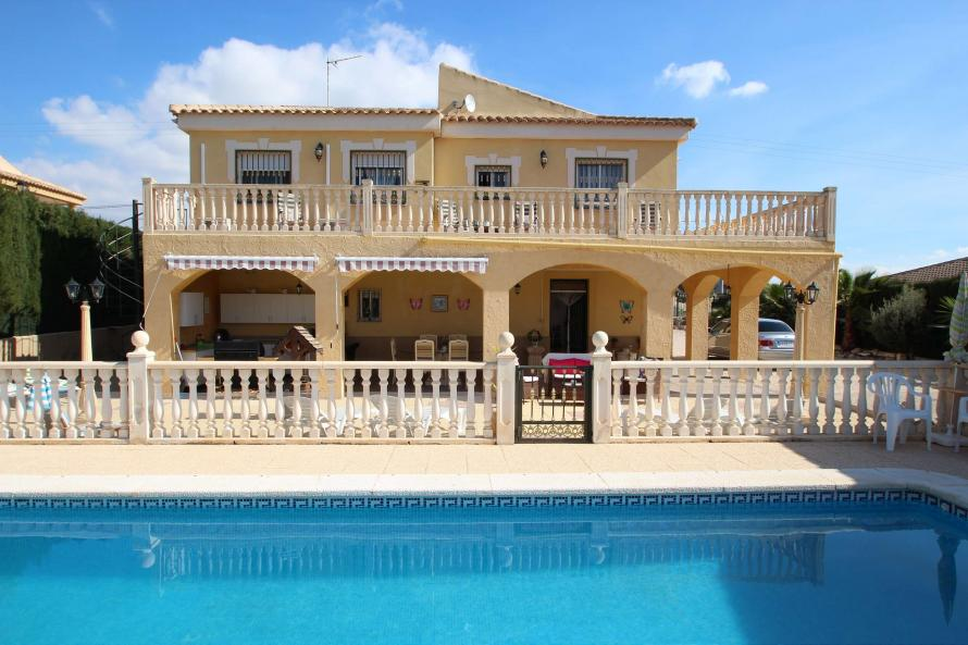 6 bedroom Villa for sale in Fortuna