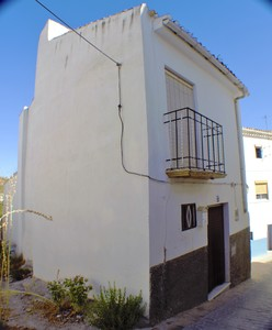 2 bedroom Townhouse for sale in Alhama de Granada