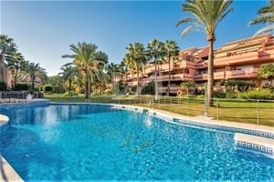 3 bedroom Penthouse for sale in Puerto Banus
