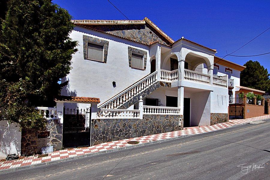 6 bedroom Villa for sale in Cacin