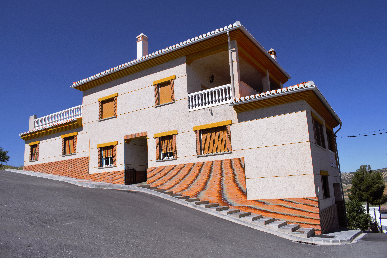 4 bedroom Townhouse for sale in Alhama de Granada