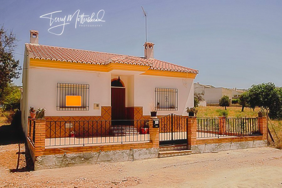 3 bedroom Country House for sale in Alhama de Granada