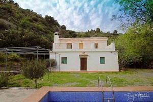 2 bedroom Finca for sale in Velez de Benaudalla