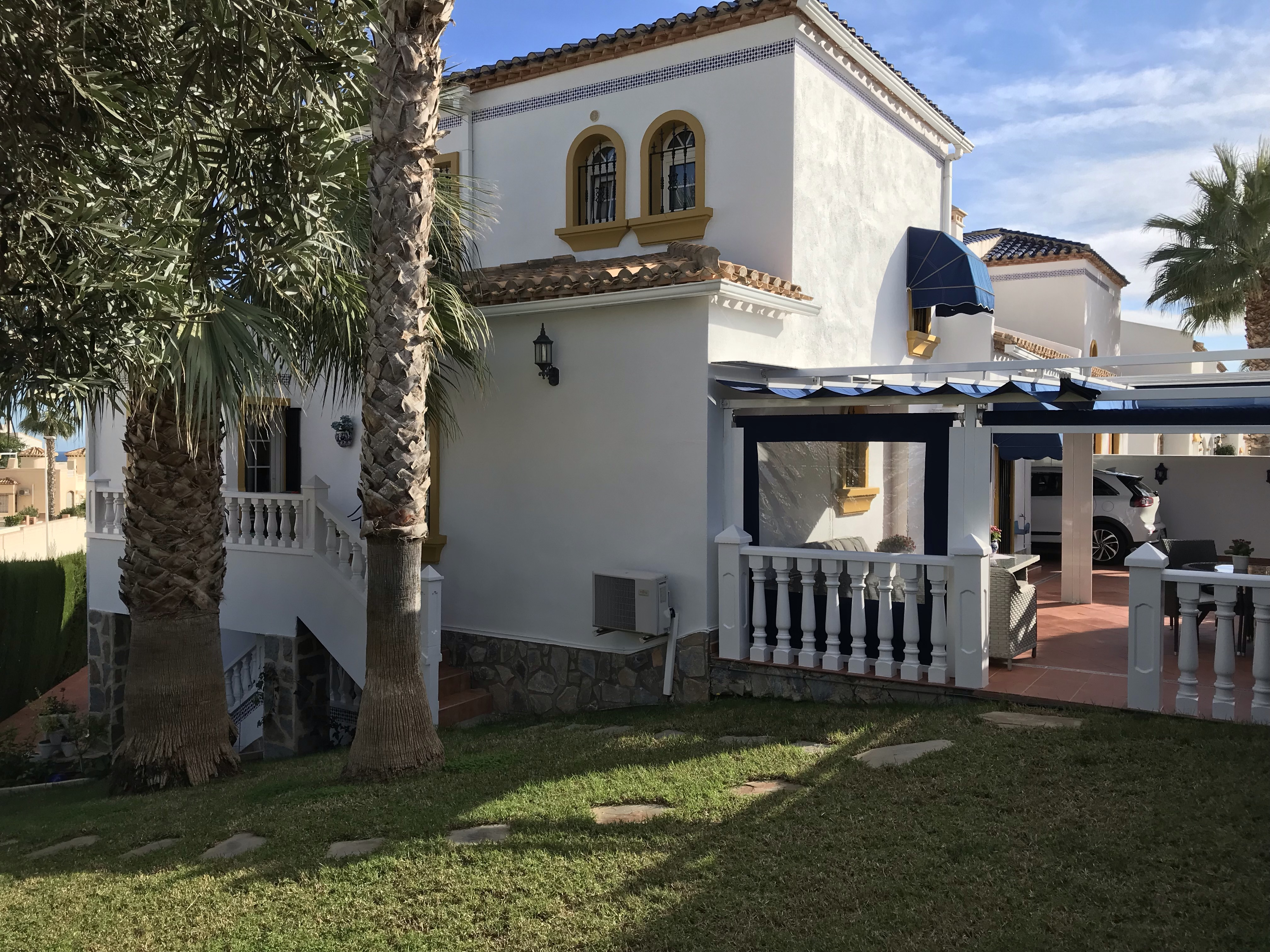 4 bedroom Villa for sale in Los Dolses