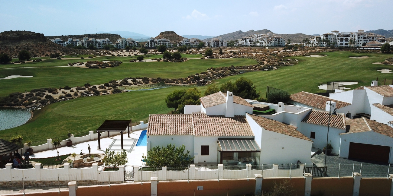 5 bedroom Villa for sale in El Valle