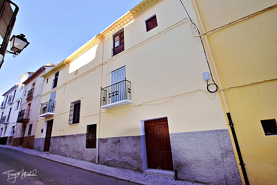 14 bedroom Townhouse for sale in Alhama de Granada