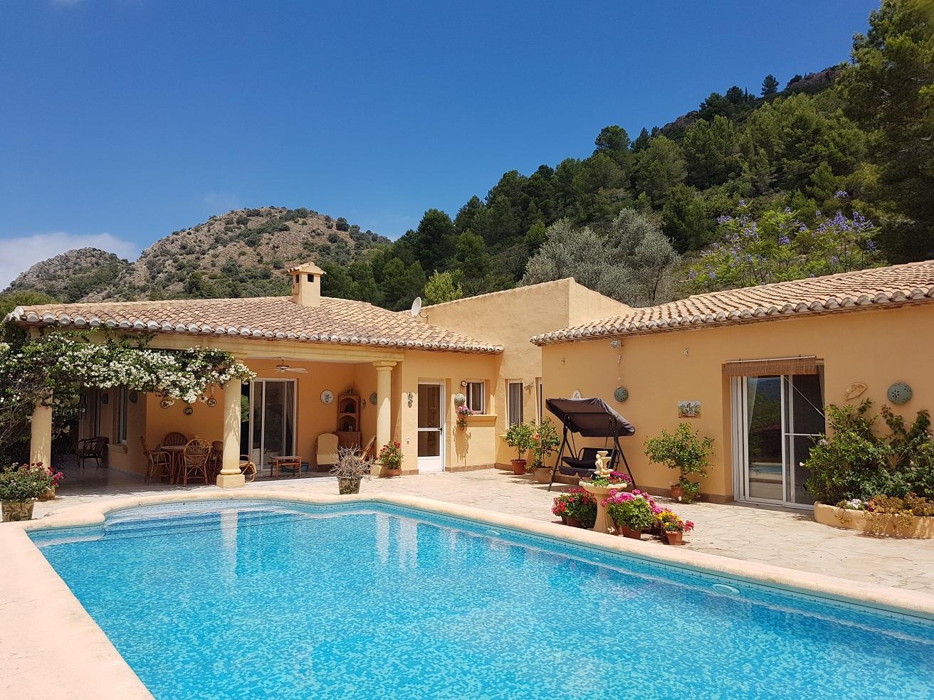 5 bedroom Villa for sale in Pedreguer