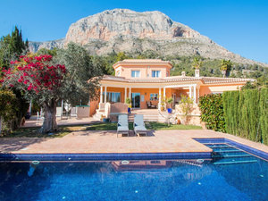 Javea 6 Bedroom Villa for Sale Montgo
