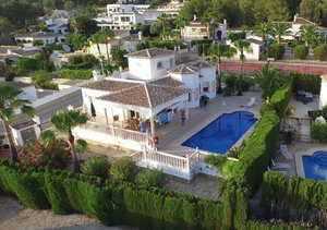 Modern style 3 bedroom villa in Rafalet with views to Benitachell