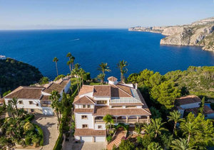 Javea Sea Front Luxury Estate 4 Bedroom Villa For Sale