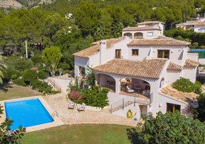 Javea 4 Bedroom Villa for Sale on Montgo