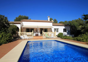 Javea Costa Nova 3 Bedroom Villa for Sale in Quiet Cul de Sac