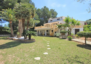 Javea Portichol 6 Bedroom Villa for Sale