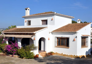 4 bedroom villa for sale in Moraira with mountain views