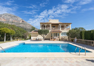Javea Montgo Valls Spacious 4 Bedroom Villa for Sale