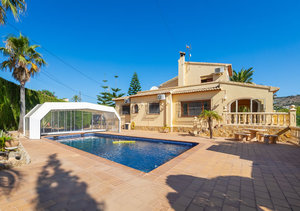 Javea Senioles 4 Bedroom Villa for Sale close to the Old Town