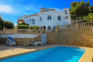 Casa de 4 dormitorios en venta en Javea